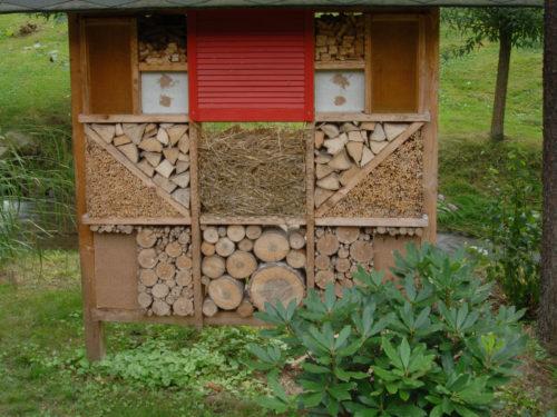 selbst hergestelltes Insektenquartier