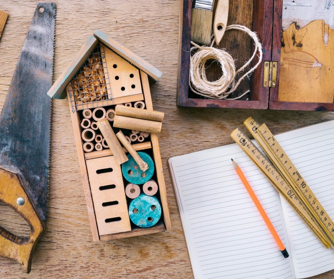 Insektenhotel bauen Foto: AdobeStock_Viktor Pravdica