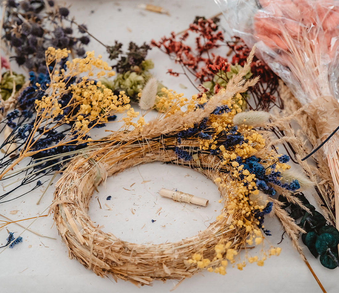 Herbstkranz binden Foto: AdobeStock_Tetiana Soares