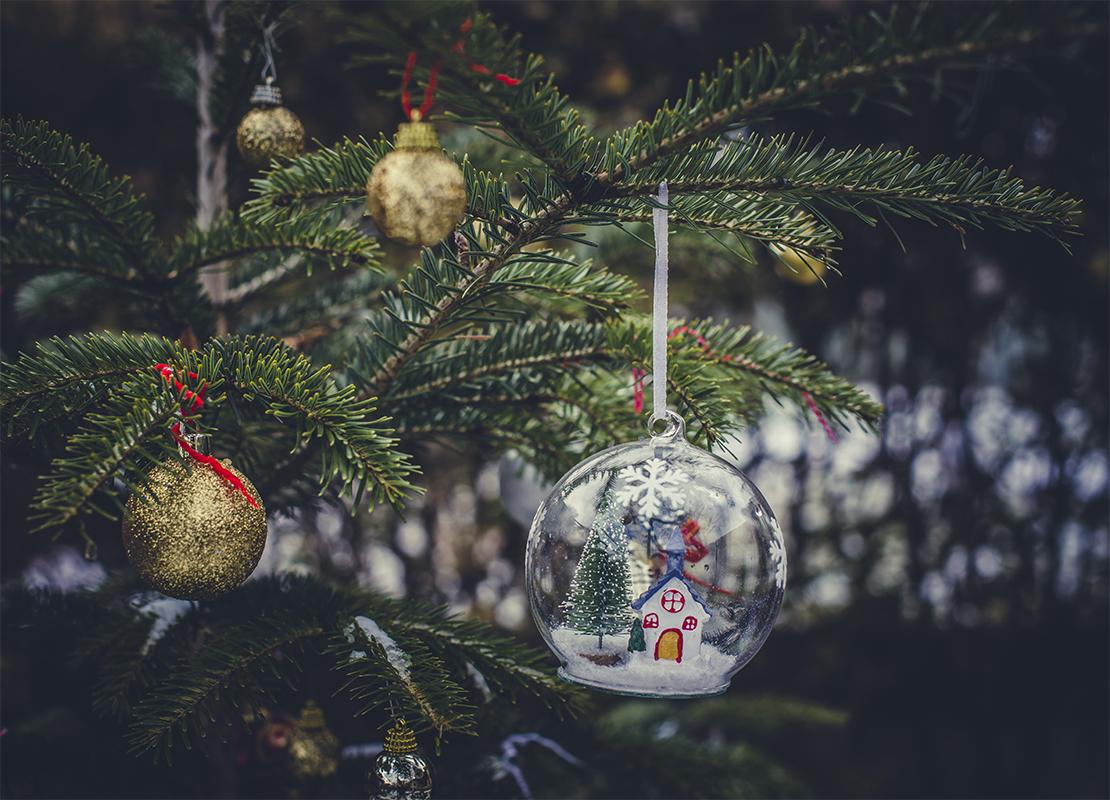 Weihnachtsbaumkugeln Foto: AdobeStock_Degimages