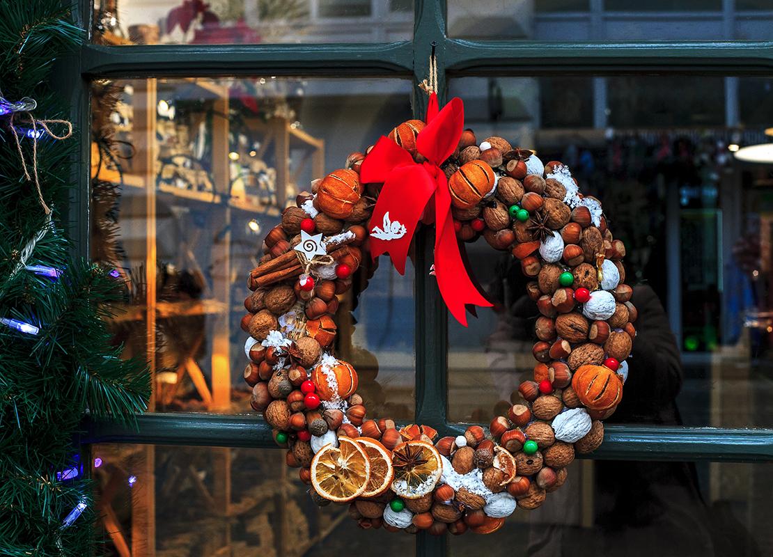 Weihnachtskranz Foto: AdobeStock_dmf87
