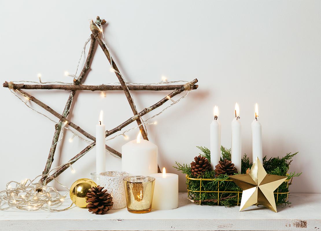 Weihnachtsstern beleuchtet Foto: AdobeStock_asife